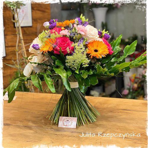 bukiet mieszanych kwiatów1