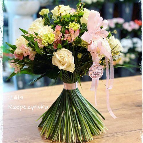 bukiet mieszanych kwiatów12