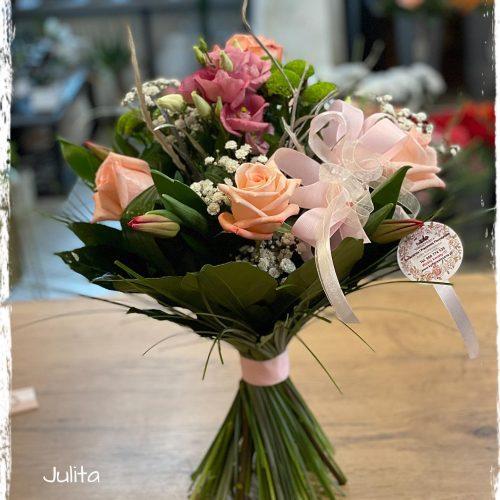 bukiet mieszanych kwiatów14