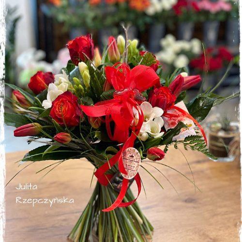 bukiet mieszanych kwiatów15
