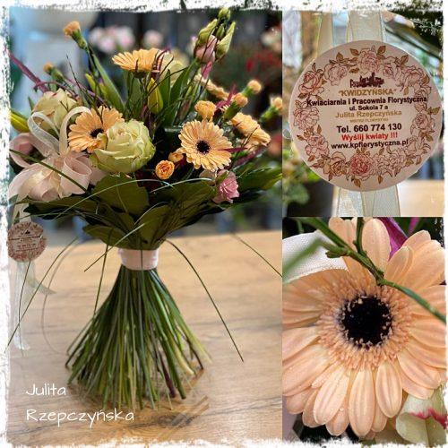 bukiet mieszanych kwiatów18