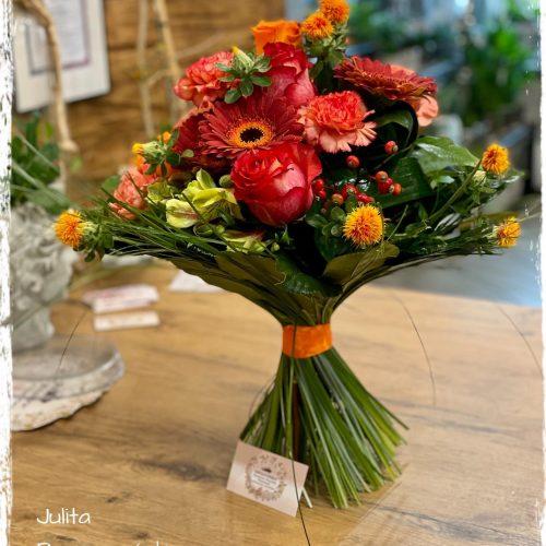 bukiet mieszanych kwiatów2