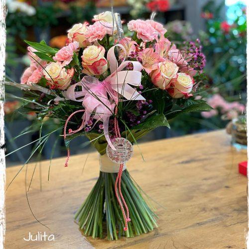 bukiet mieszanych kwiatów5