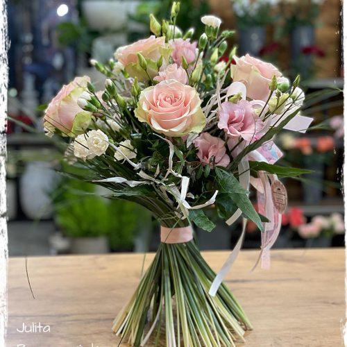 bukiet mieszanych kwiatów7