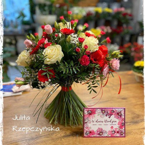 bukiet mieszanych kwiatów9