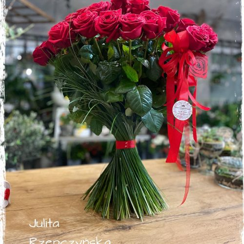 bukiet z 50 długich róż