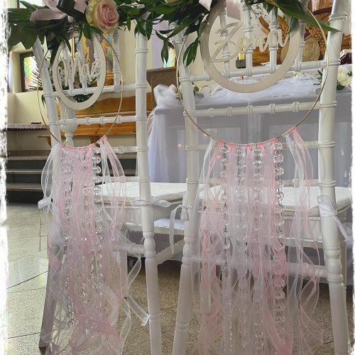 dekoracja kościoła - krzesła Młodej Pary 1