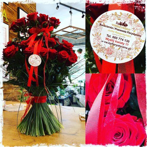 klasyczny bukiet czerwonych róż1