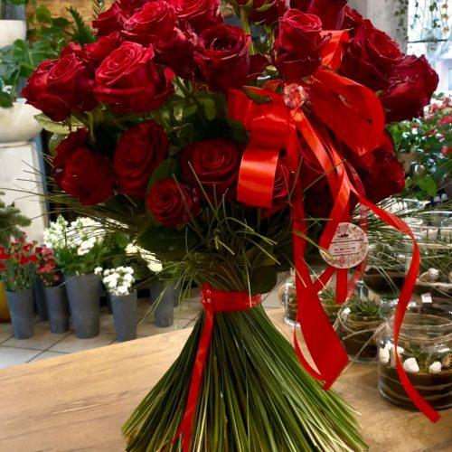 klasyczny bukiet czerwonych róż3