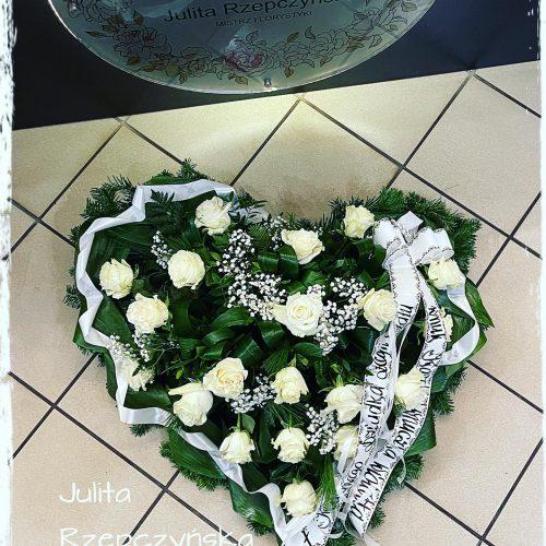 kompozycja funeralna - na florecie serce3