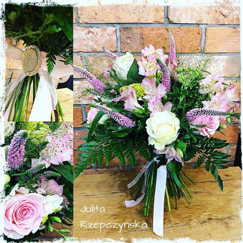 naturalny bukiet kwiatów