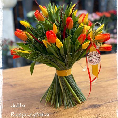 naturalny bukiet tulipanów